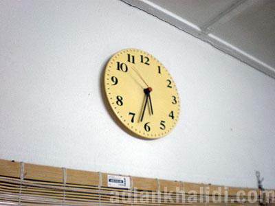 ikea-fejs-clock