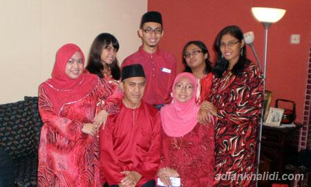 family-potrait-raya.jpg