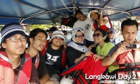 langkawi-day2-island-hop-boat.jpg