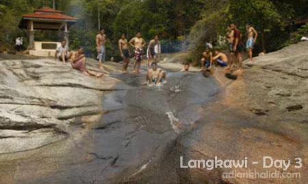 langkawi-day3-seven-wells-telaga-tujuh-sliding.jpg