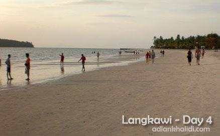 langkawi-day4-pantai-chenang.jpg