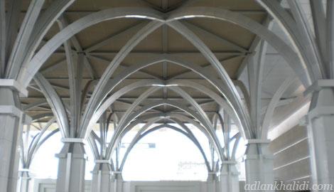 masjid-besi-sultan-mizan-putrajaya-mosque-column-structure.jpg
